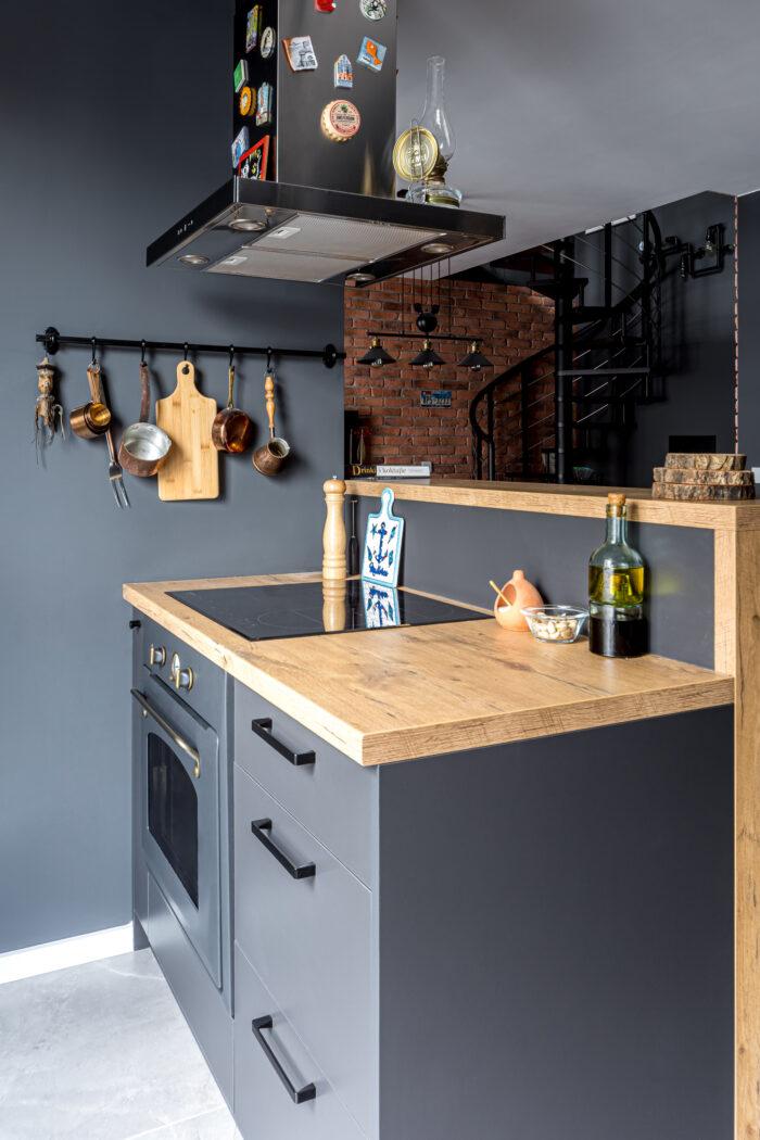 Wykończenie mieszkania - kuchnia w stylu loftowym.